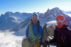 Dans le massif du Mt-Blanc, peu de croix, mais des vierges...