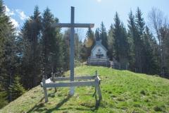 La croix et la chapelle